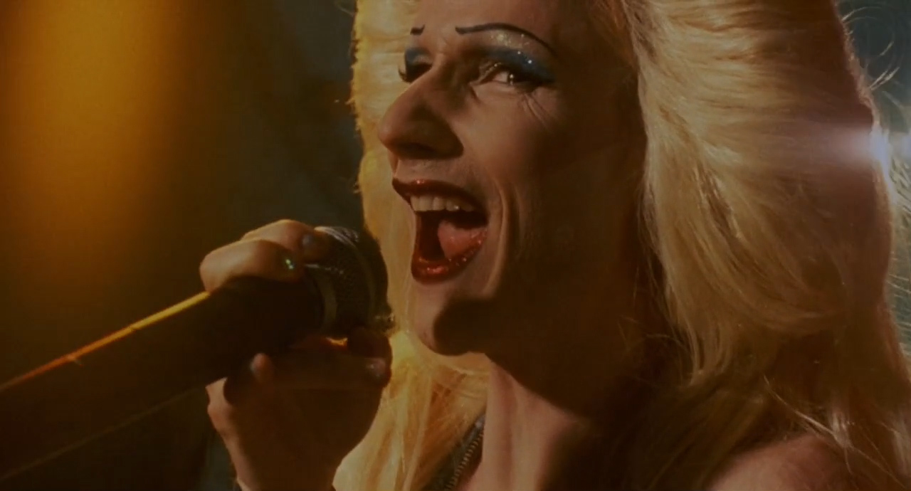 Hedwig-and-the-Angry-Inch-2001-00-04-40