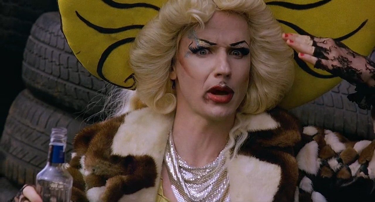 Hedwig-and-the-Angry-Inch-2001-00-47-33