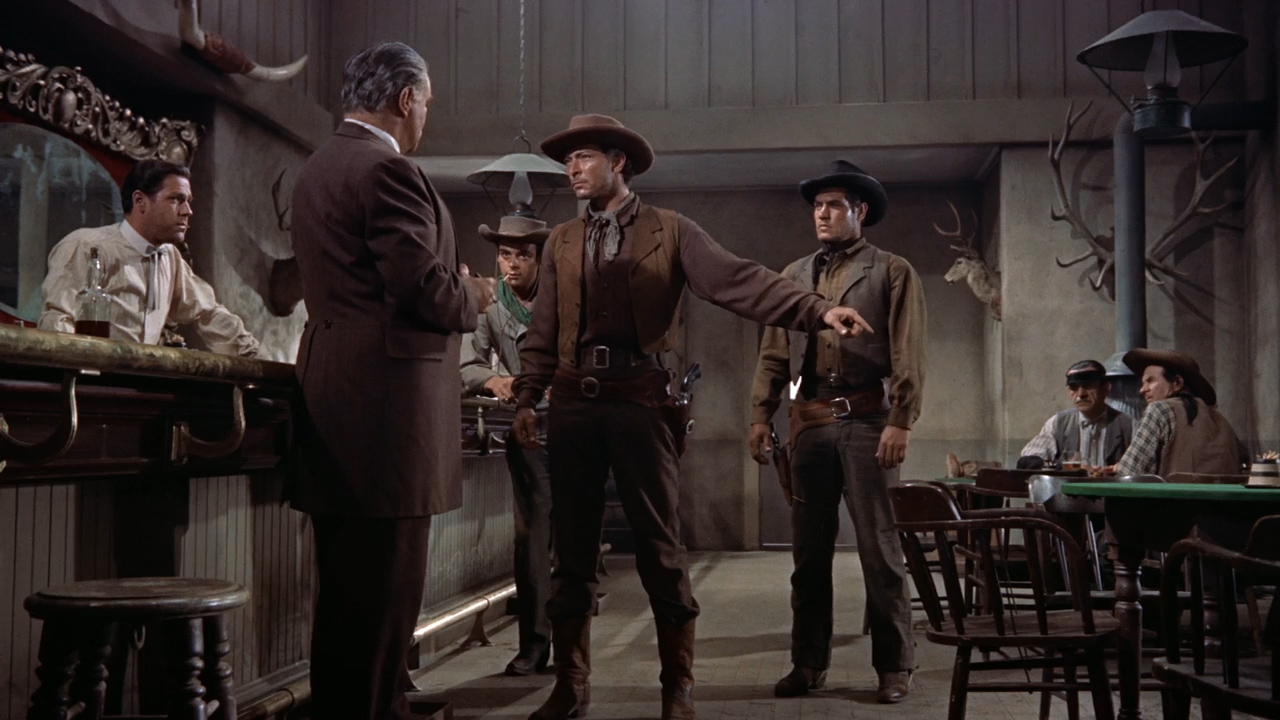 Gunfight-at-the-OK-Corral-1957-00-04-07