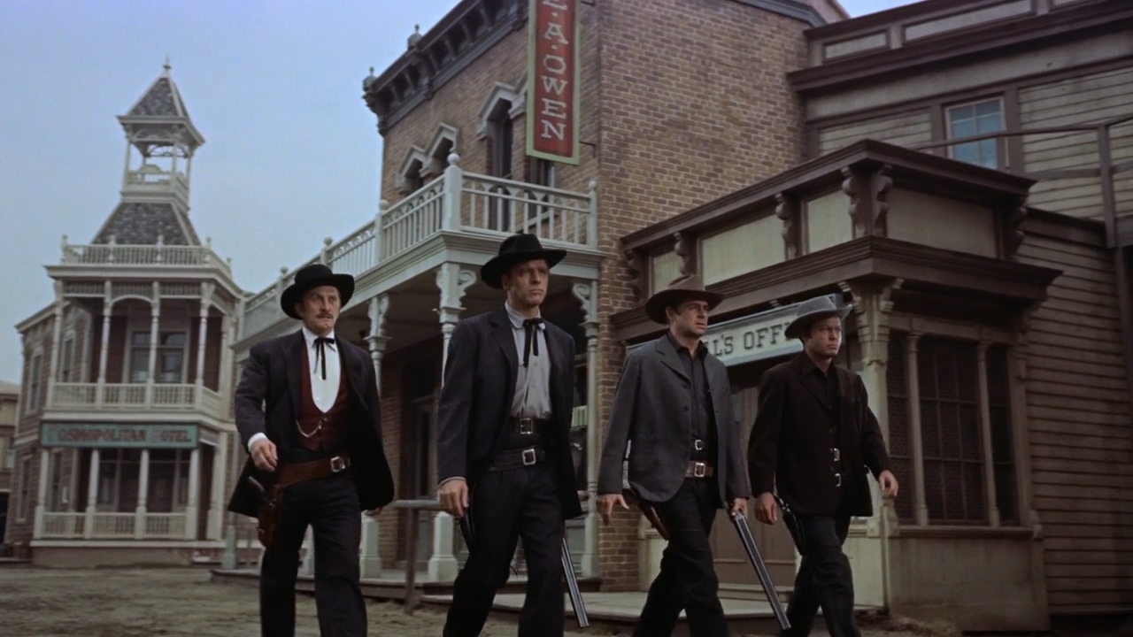 Gunfight-at-the-OK-Corral-1957-01-49-28