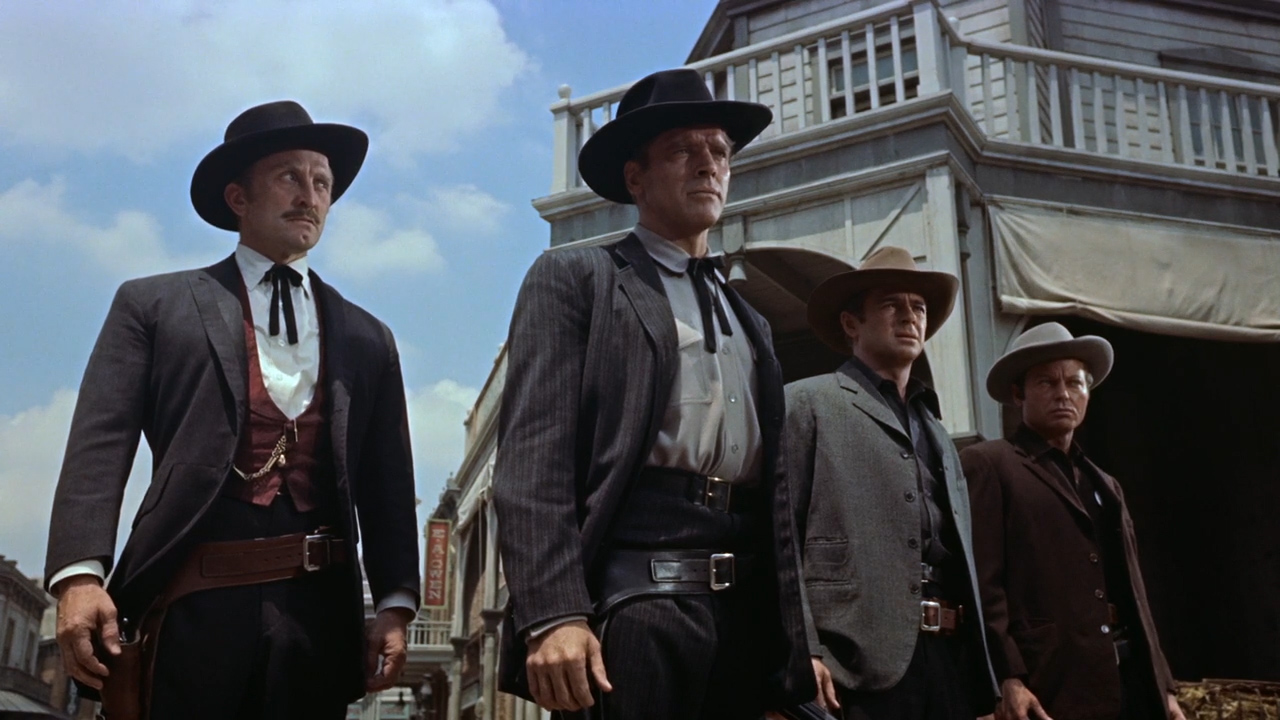 Gunfight-at-the-OK-Corral-1957-01-50-08