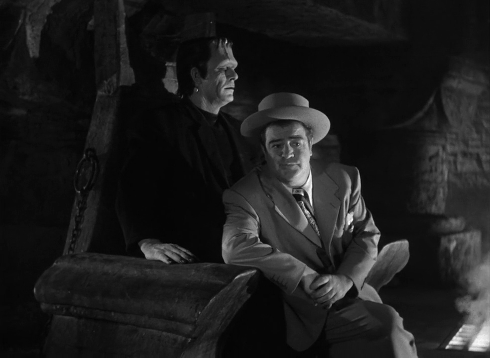 Abbott-and-Costello-Meet-Frankenstein-1948-00-45-19