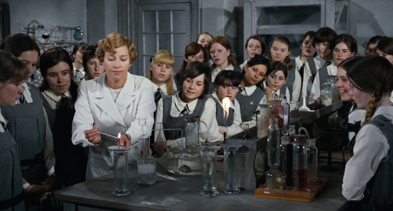 Prime-of-Miss-Jean-Brodie-1969-00-45-56