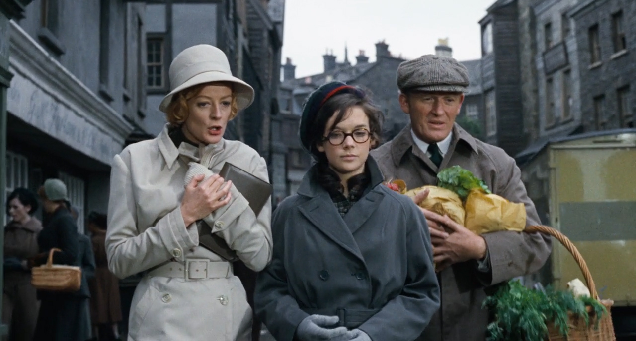 Prime-of-Miss-Jean-Brodie-1969-00-59-02