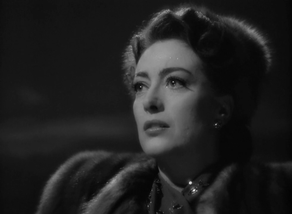 Mildred-Pierce-1945-00-03-08