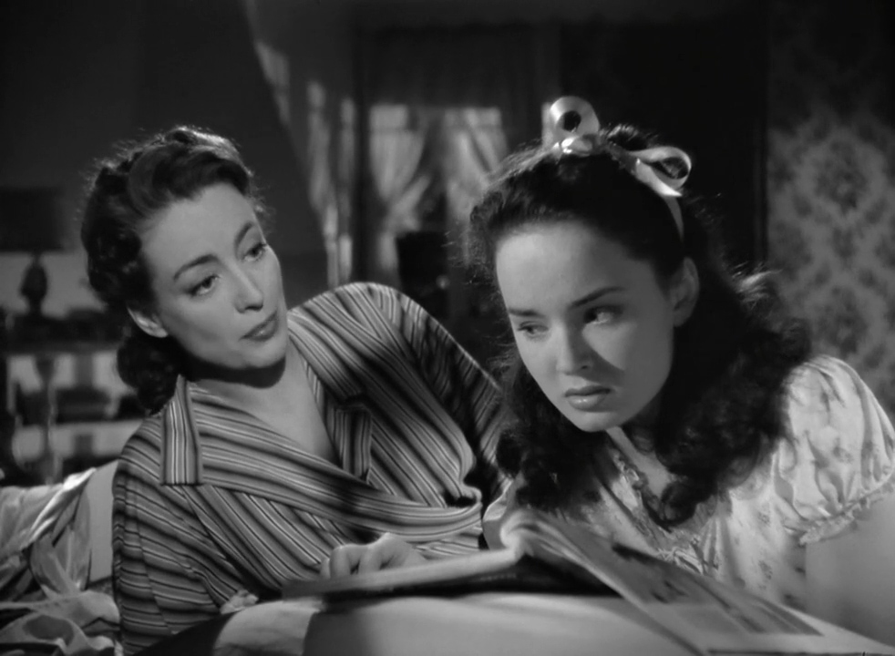 Mildred-Pierce-1945-00-32-54