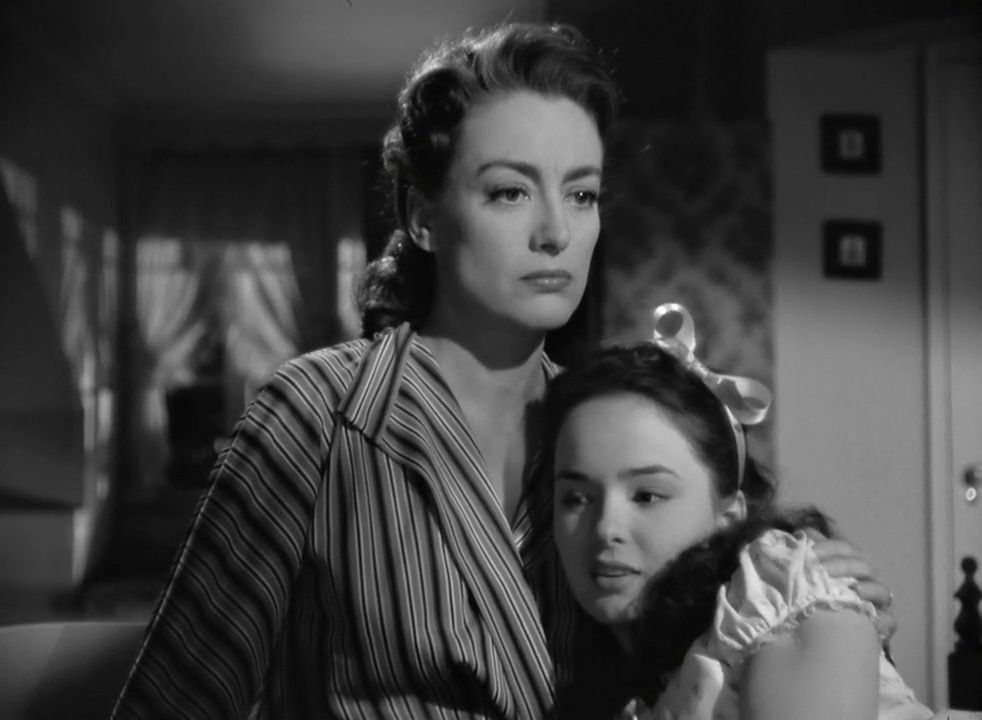 Mildred-Pierce-1945-00-33-09