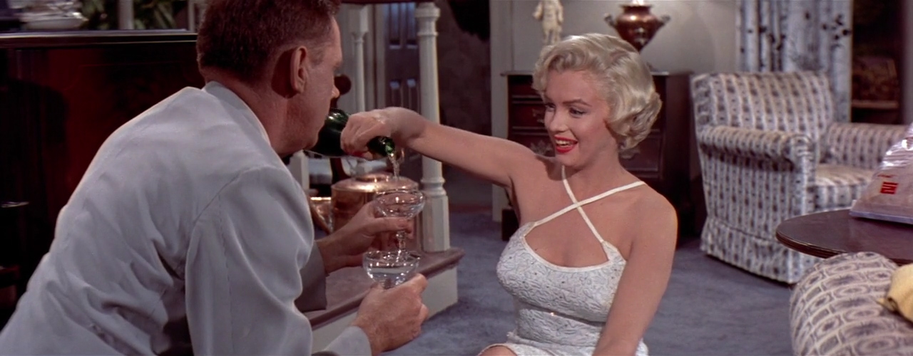 Seven-Year-Itch-1955-00-46-36